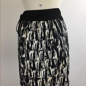 Banana Republic Wrap Polyester Skirt (B-24)